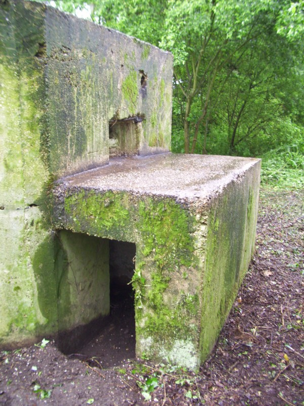 EAST STOKE TYPE 22 PILLBOX PROTECTED ENTRANCE