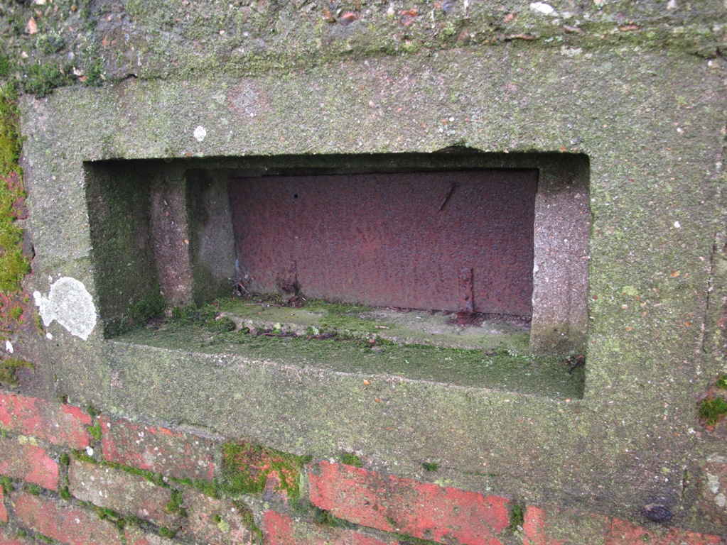 FW3/22 Shell proof Pillbox, GHQ Line A, Hampshire.