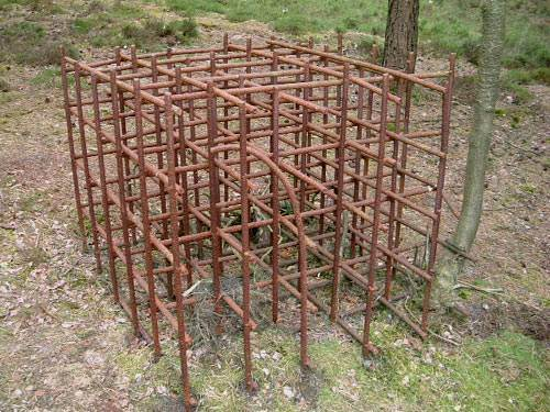 Rusting framework for concrete cube