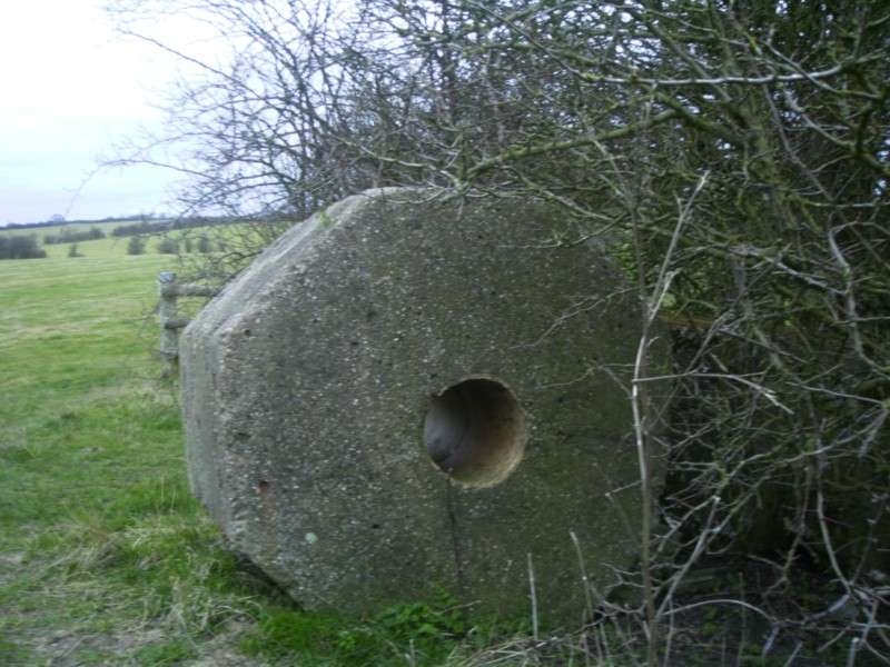 octagonal Anti-Tank Blocks. NGR S0 001729.