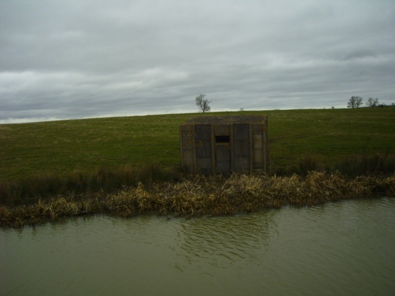 Stent Pillbox near to Bridge 122