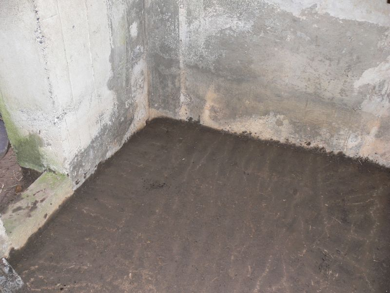 Beal Farm Square Pillbox more clean floor