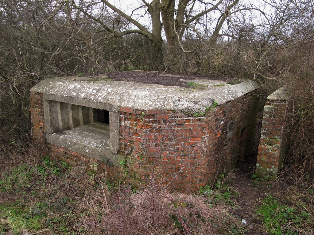 Defending Chequers Bridge Poulters Hill Vickers MMG Emplacement @ SU796515