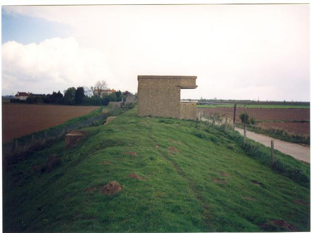 This Photo Shows The Searchlight For The Gun House In Photo Above