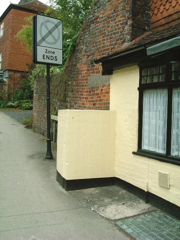 Mini Pillbox Marlborough