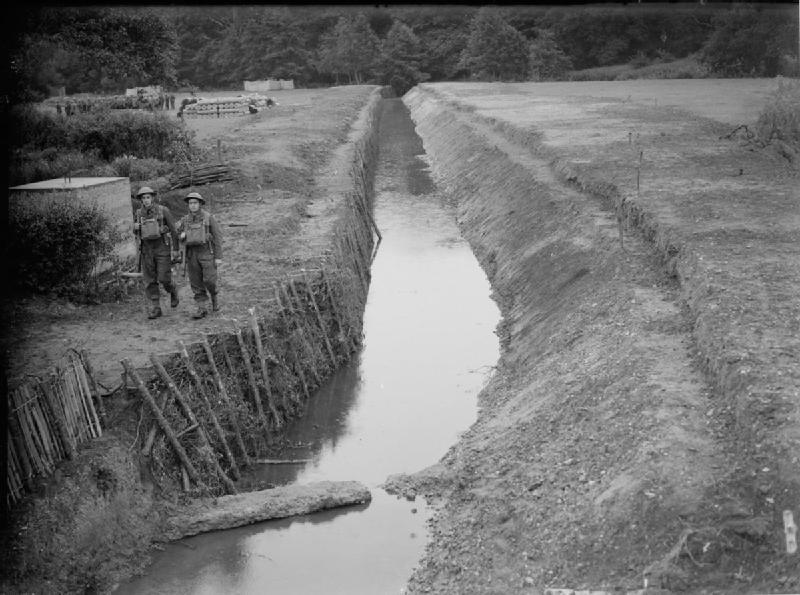 Anti-tank ditch near Farnham in Surrey, 24 July 1940 THE BRITISH ARMY IN THE UNITED KINGDOM 1939-45. © IWM (H 2473) IWM Non Commercial Licence